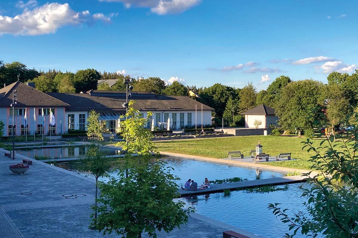 Oberhof, Kurpark im Sommer   Oberhof Hotel Urlaub im Thüringenschanze